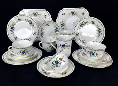 Shelley Tea Set Chelsea 11280 For 4 People / Trio / Vintage 20th Century / Cup